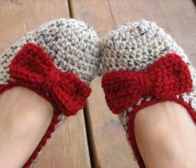 Crochet Women Slippers - Oatmeal with red bow, Accessories, Adult Crochet Slippers, Home Shoes, Crochet Women Slippers