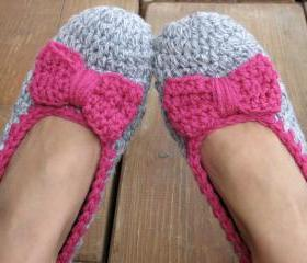 Crochet Women Slippers with pink bow, Accessories, Adult Crochet Slippers, Home Shoes, Crochet Women Slippers